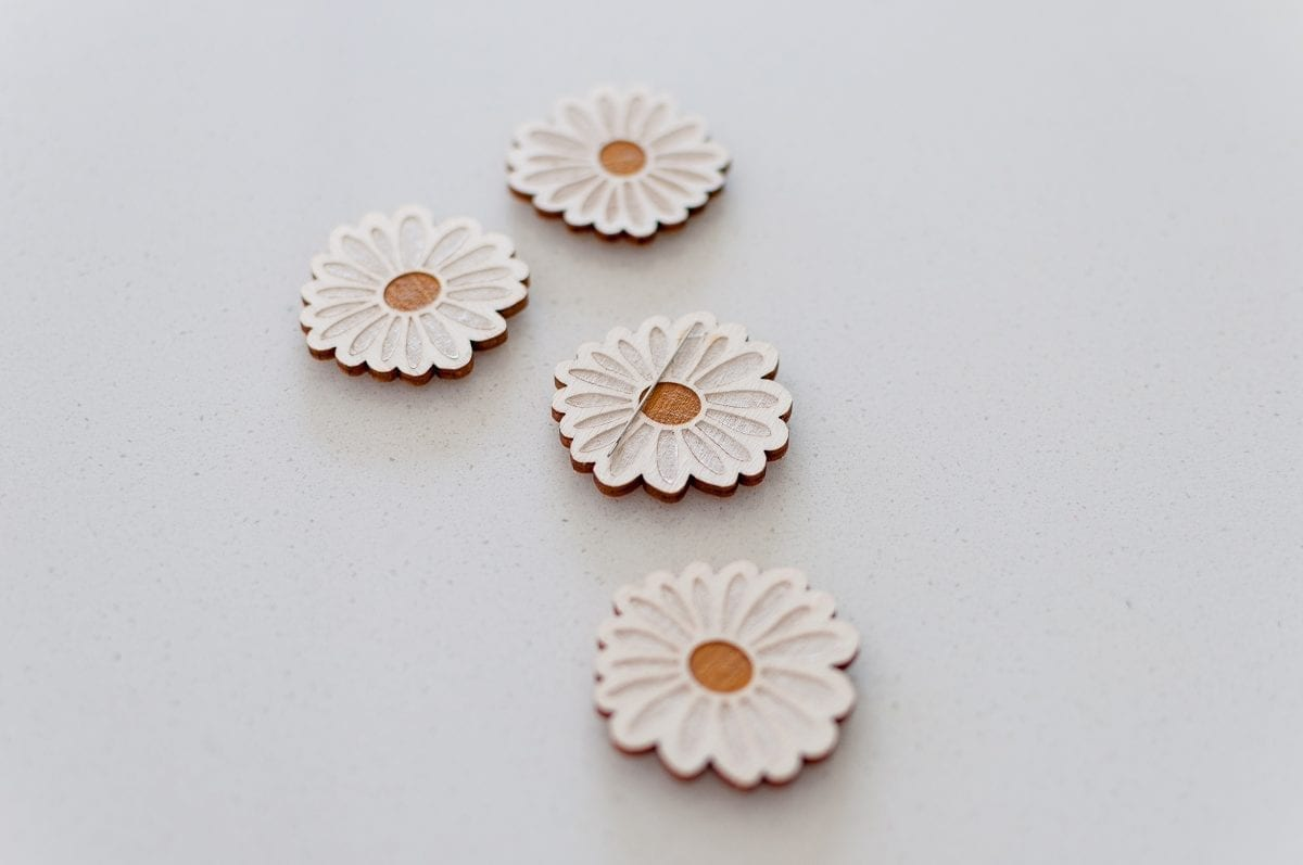 Hand Painted Wooden Embroidery Daisy Needle Minders